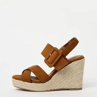 Hnedé sandálky na plnom podpätku v semišovej úprave  Xti