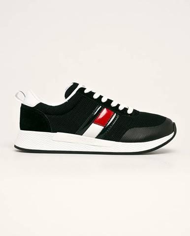 Čierne topánky Tommy Jeans