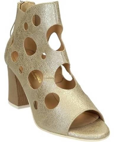 Strieborné sandále Leonardo Shoes