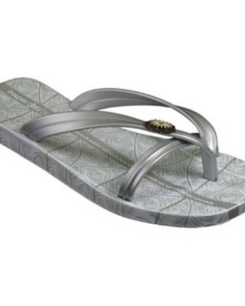 Strieborné sandále Ipanema