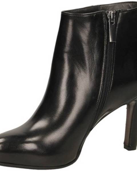 Čierne čižmy Calpierre