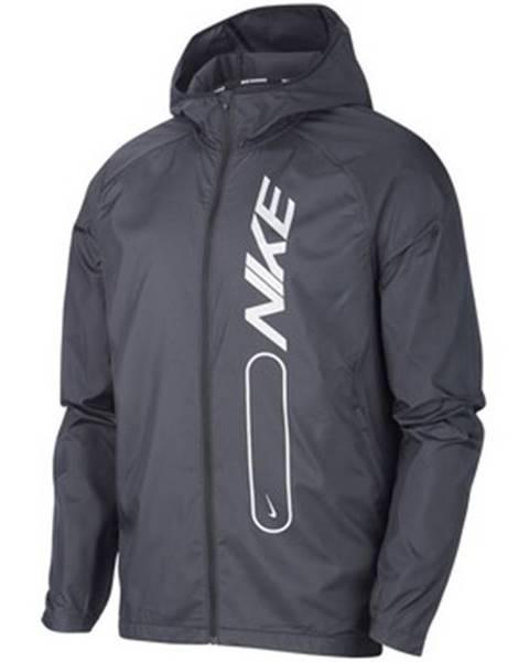 Viacfarebná bunda Nike