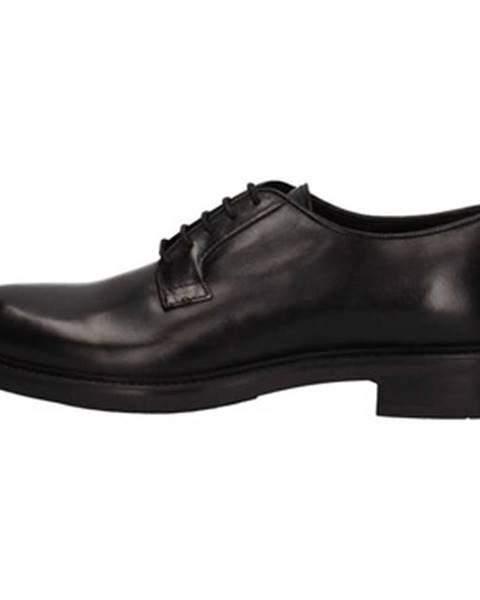 Čierne topánky Triver Flight