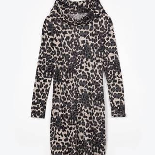 Šaty s leoparďou potlačou a narolovaným golierom
